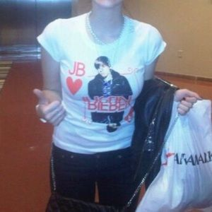 ISO Justin Bieber merch shirt 2010 My World Tour